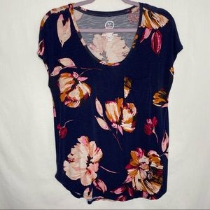 Maurices 24/7 floral short sleeve t shirt